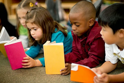 diverse-kids-reading